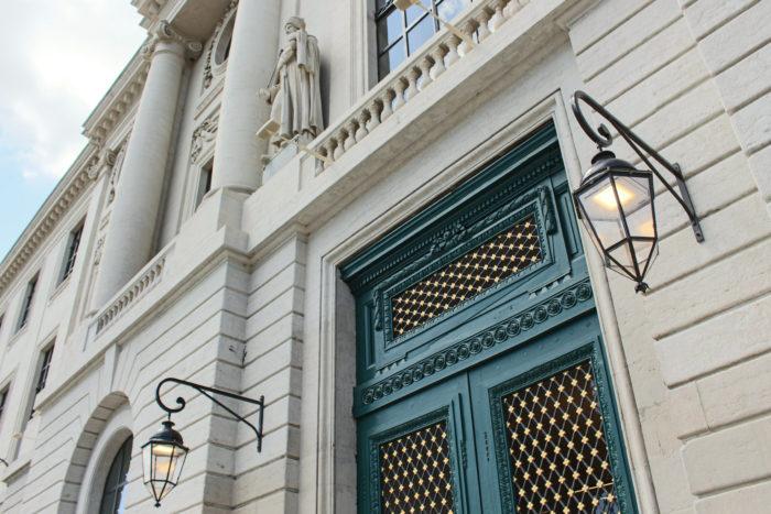 Devanture du Grand Hotel Dieu   Naga, narrative agency